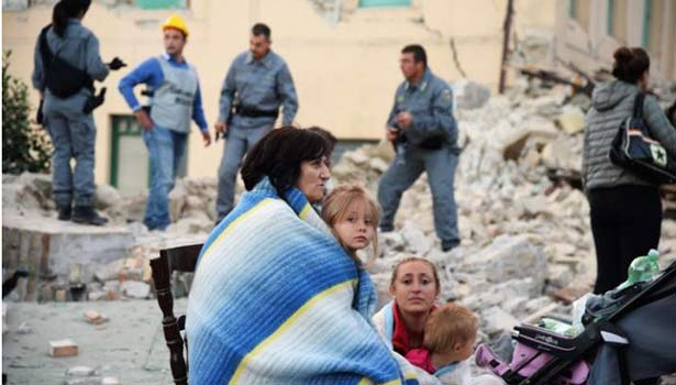 201608241213101613_Italy-earthquake-ten-dead-as-buildings-collapse_SECVPF