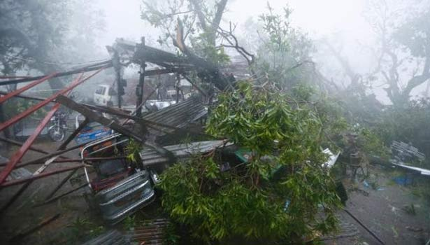 201610211314416223_Typhoon-kills-12-destroys-rice-fields-in-Philippines-takes_SECVPF