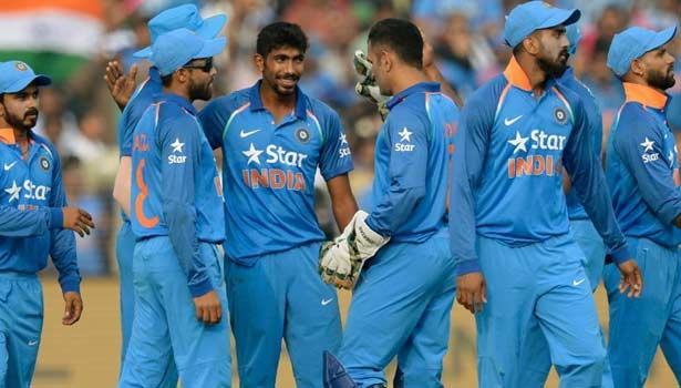 201704261159593526_Indian-team-will-not-step-down-from-championship-trophy_SECVPF