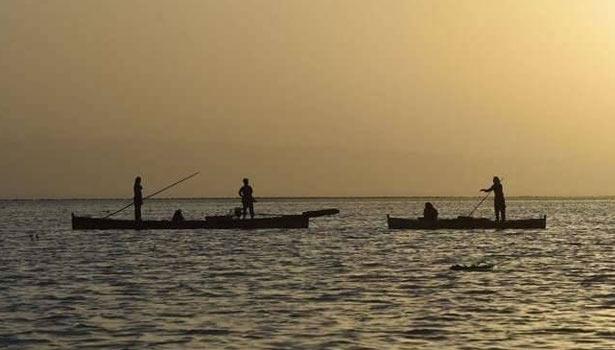 201704270503581764_Pakistan-captures-23-Indian-fishermen-off-Gujarat-coast_SECVPF
