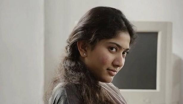 201704291134529250_Sai-Pallavi-next-film-with-Vijay_SECVPF
