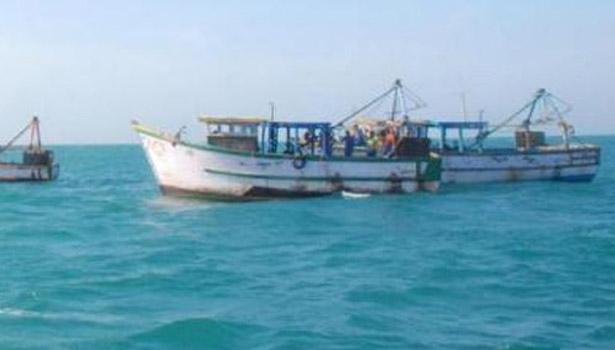 201706230835205521_17-karaikkal-fishermen-arrested-by-Sri-lankan-navy_SECVPF