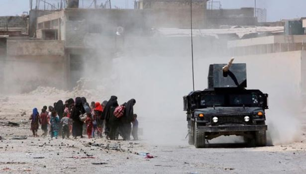 201706250524204413_Iraqi-forces-free-hundreds-of-civilians-in-Mosul-Old-City-50_SECVPF