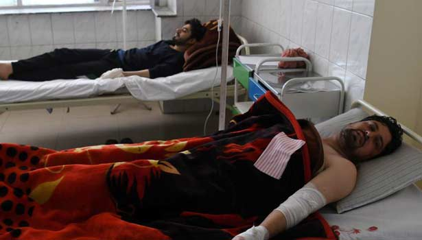 201707241725487348_35-killed-in-Taliban-attack-on-central-Afghan-hospital_SECVPF