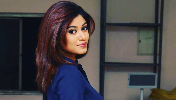 201708121328142033_Police-sent-Summon-to-Actress-oviya_SECVPF