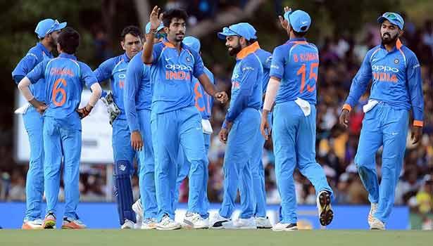 201708201803290585_INDvSL-1st-ODI-Sri-Lanka-216-all-out_SECVPF