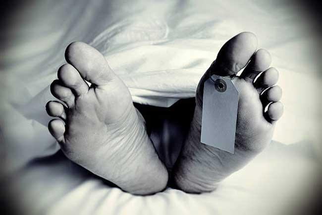 1519553690-dead-body-student-L
