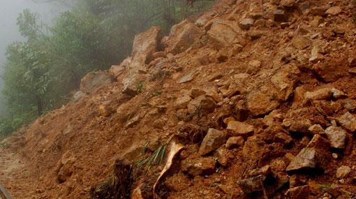 1527096264-landslide-L